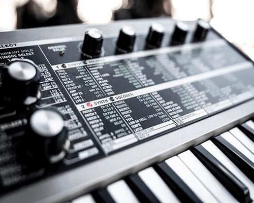 سینث سایزر Synthesizer